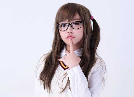 韩国27岁美女整容成10岁女孩