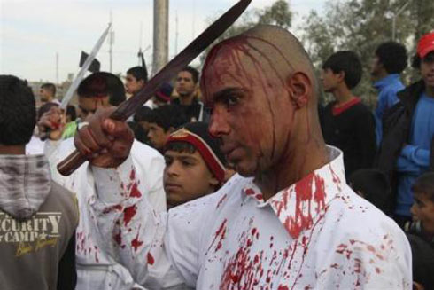 残忍的穆斯林阿舒拉节:割头皮血祭(组图)-阿舒拉节 阿舒拉节的放