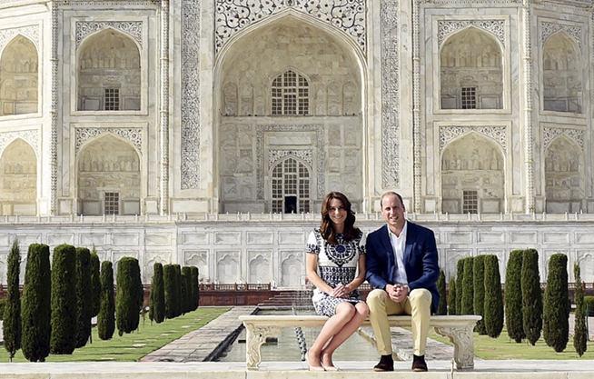 威廉王子與凱特王妃訪問印度 參觀泰姬陵(組圖)