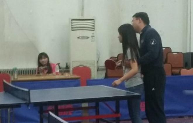 體育老師騷擾女生 女生寫報告否認稱角度問題