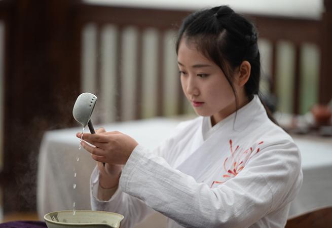 江蘇茶文化與旅遊發展論壇蘇州貢山島舉行