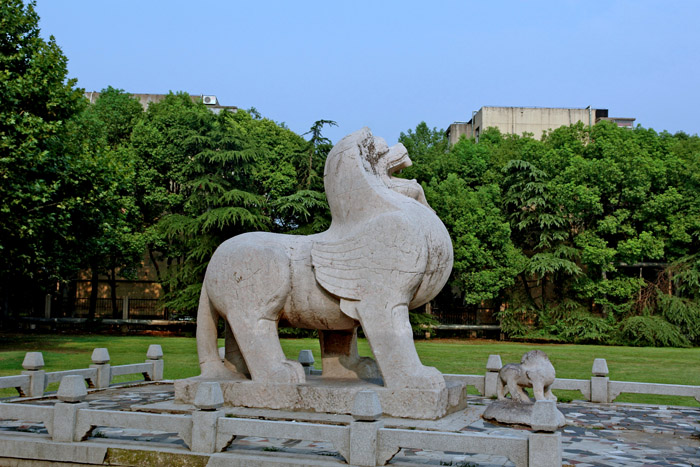 方旗廟石刻主人或是梁元帝蕭繹