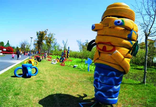 江蘇太倉:輪胎變廢為寶遊客來