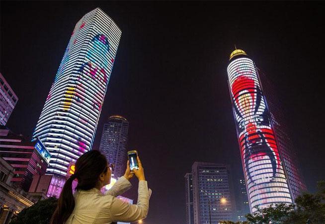 南京:京劇臉譜燈光秀