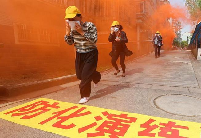 江蘇南通舉行居民小區防災減災綜合演練