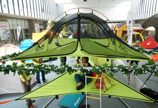 南京:戶外展上看帳篷