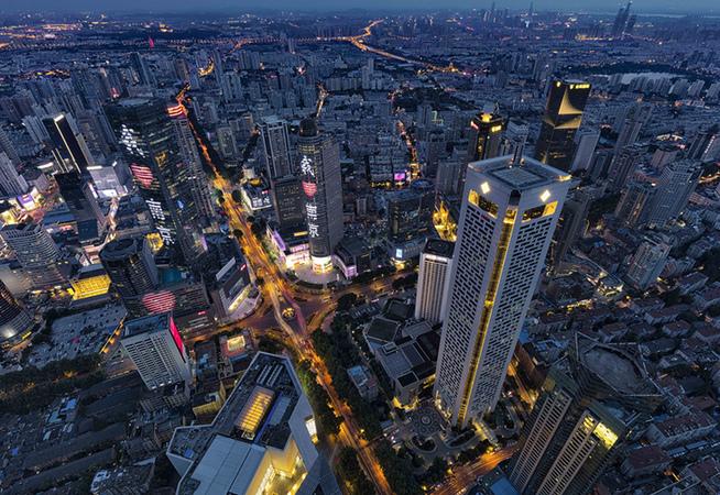 带你飞高高 体验把一座城市踩在脚下的感觉