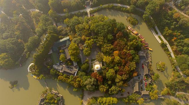 江苏扬州:立冬时节俯瞰瘦西湖秋色如画