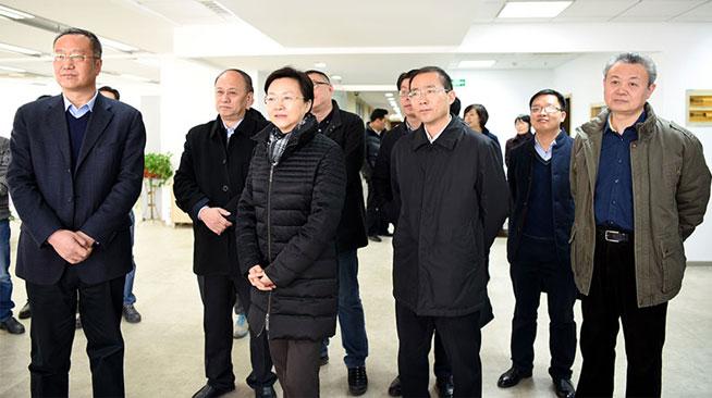 江苏省委常委、宣传部长王燕文走访慰问新华社江苏分社