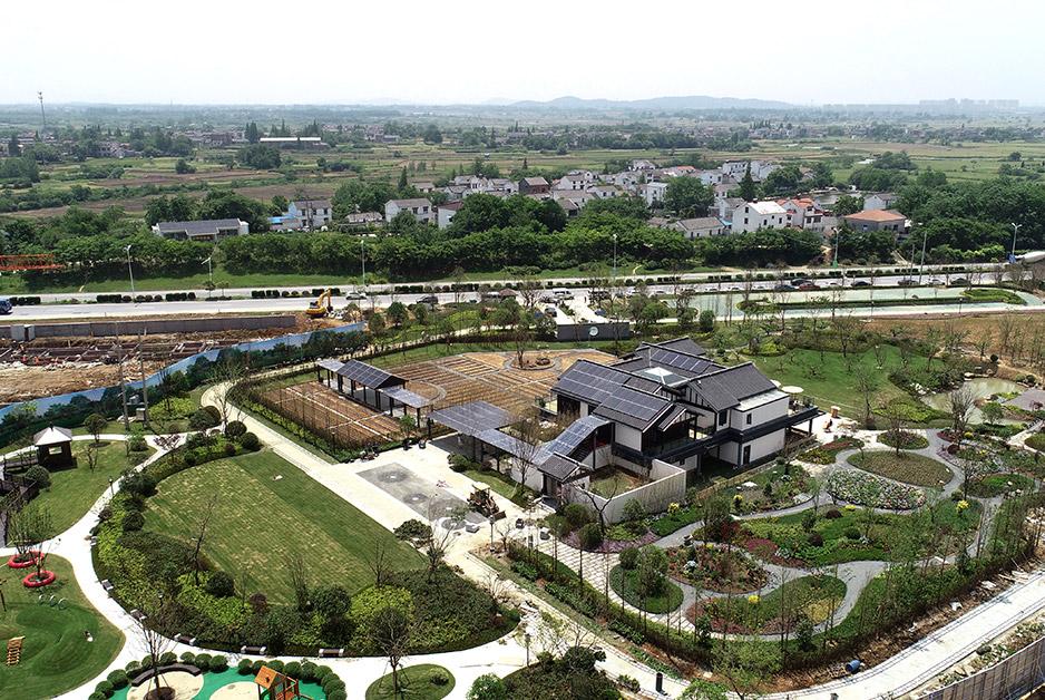航拍江苏句容绿色新能源小镇 把绿色能源带进生活