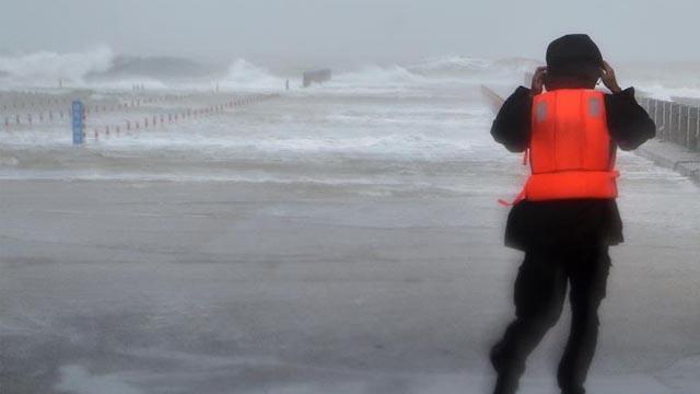 """现场直击:超强台风""""玛莉亚""""来袭"""
