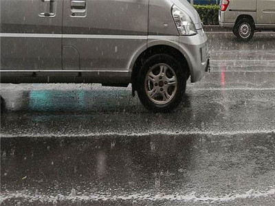 江苏自北向南暴雨连成线 淮河以北地区中秋小长假最低气温降到11℃