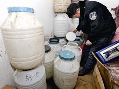 江蘇破獲特大制售假酒案摧毀團夥32個