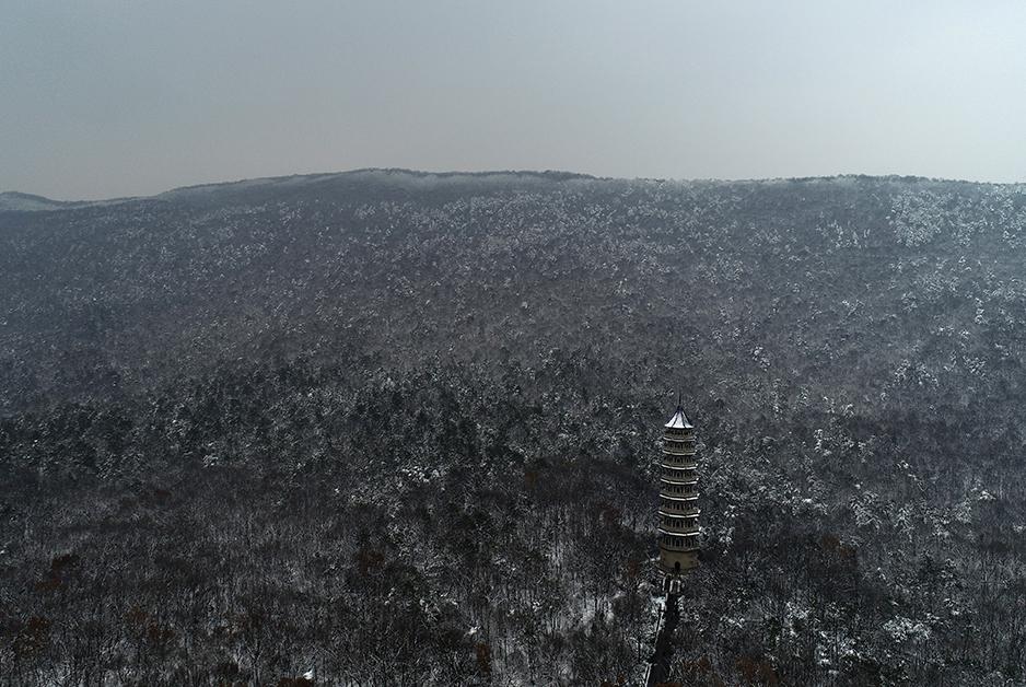 航拍南京雪景 醉美雪后南京城