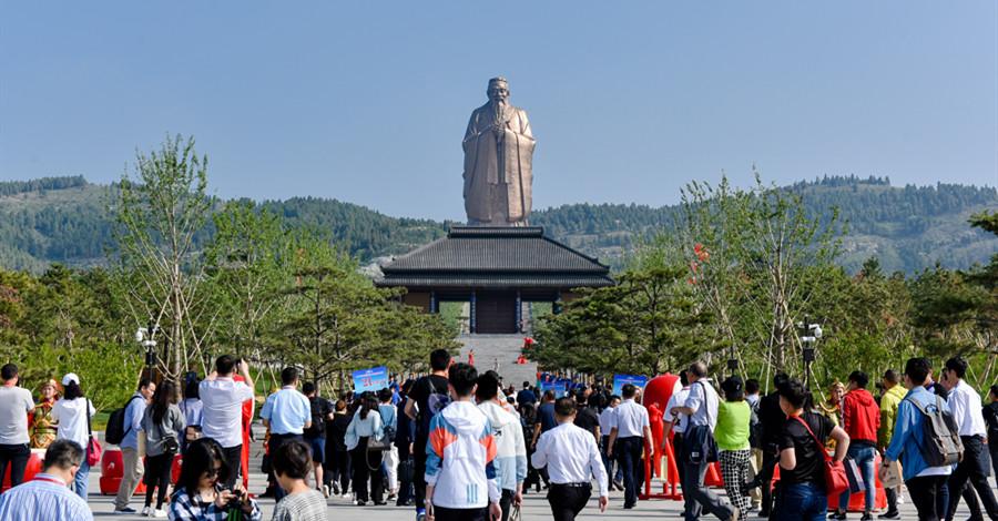 中國旅遊日遊客眾多