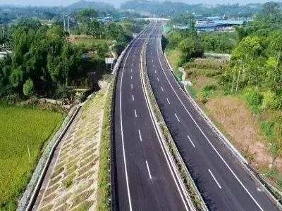 """江蘇年底實現高速公路入口""""零超限"""""""