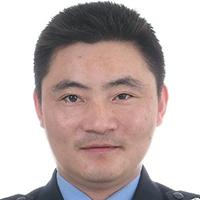 """""""侠骨柔情的执法者""""袁玉军"""
