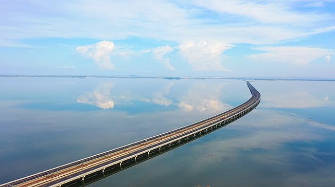 """搭乘水上列車,去看南京的""""天空之鏡"""""""