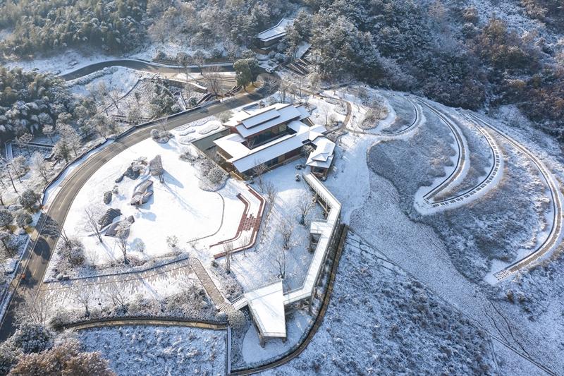 南京牛首山:天闕銀裝 萬巒披秀