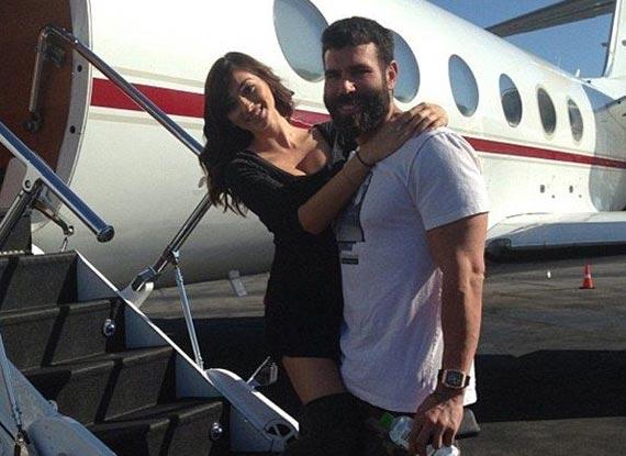 美国32岁富豪公开奢侈生活照片