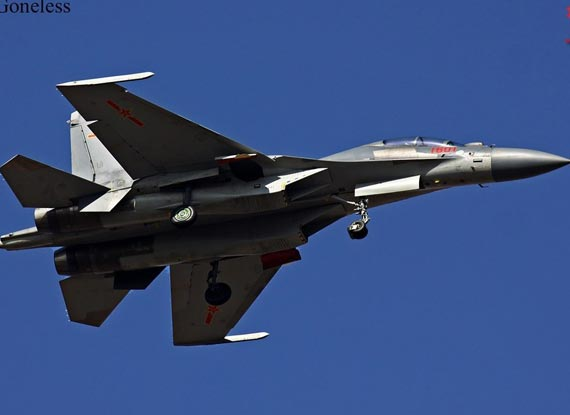 中国最新歼-16战斗机