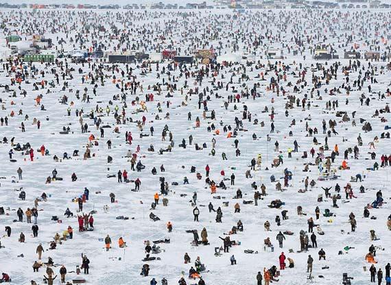 逾萬美國人零下40度參加釣魚比賽