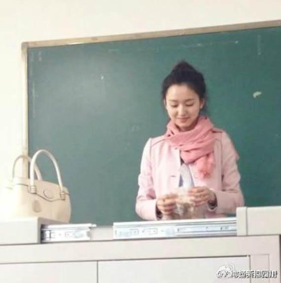 川美女老师酷似刘诗诗 男生出勤率爆表 图片频